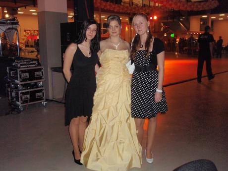 šaty na maturitní ples či svatbu, 40