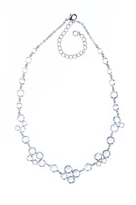 Jemný šanelový náhrdelník,