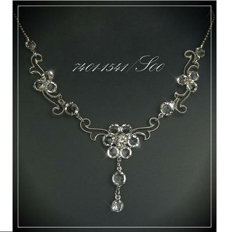 Jemný svatební náhrdelník - kytička,