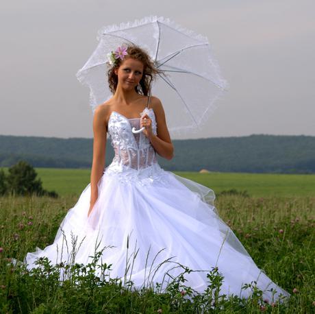 Krasne svadobne saty plus bolerko rukavice zavoj 7a57904dd91