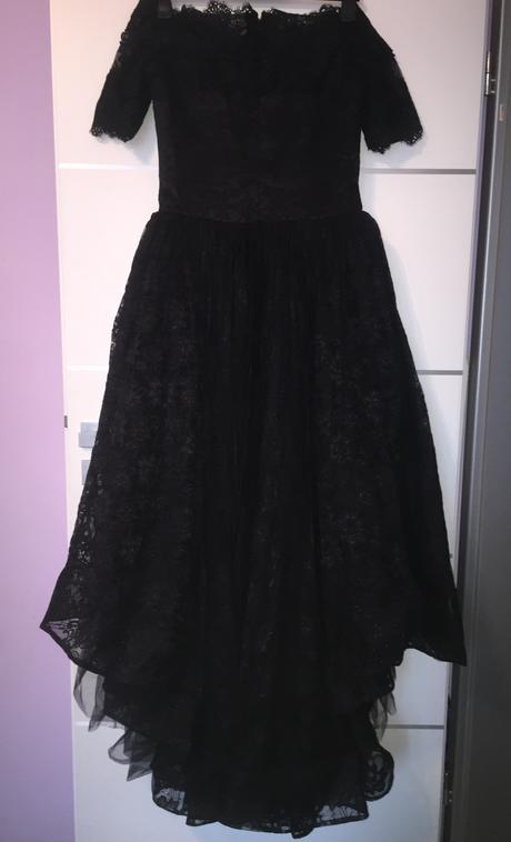 Famózne čipkované šaty s vlečkou, 40