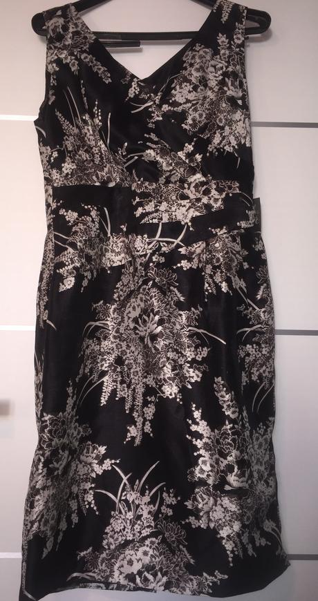 Puzdrové šaty, 42