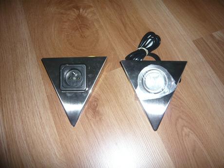 Svetlo trojuholníkové halogénové,