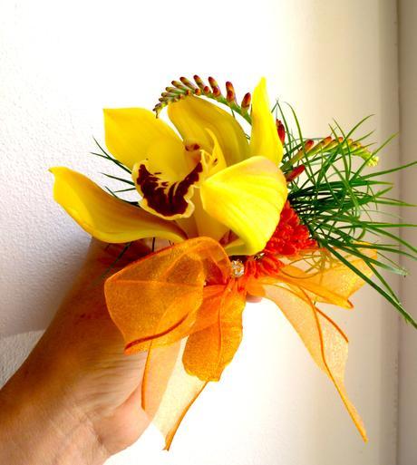 Korsáž pro ženicha s orchideou,