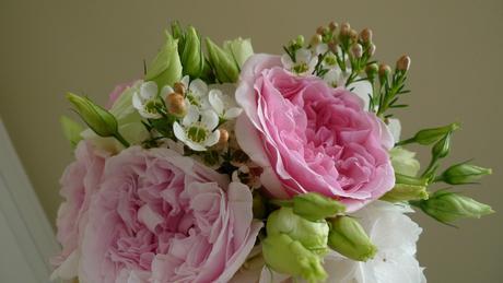 Svatební kytice z růží Austin David,