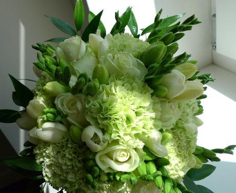 Zelenkavá svatební kytice,