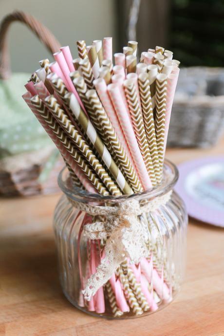 brčka, slámky, candy bar,