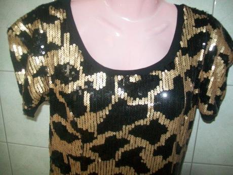 černozlaté pružné šaty, M