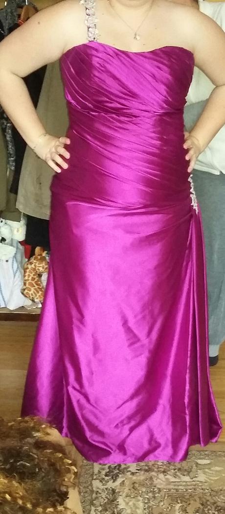Fialové šaty , 42