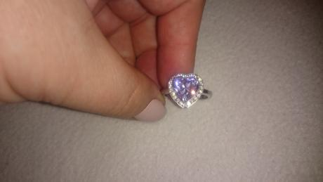 Srdiečkový prsteň,