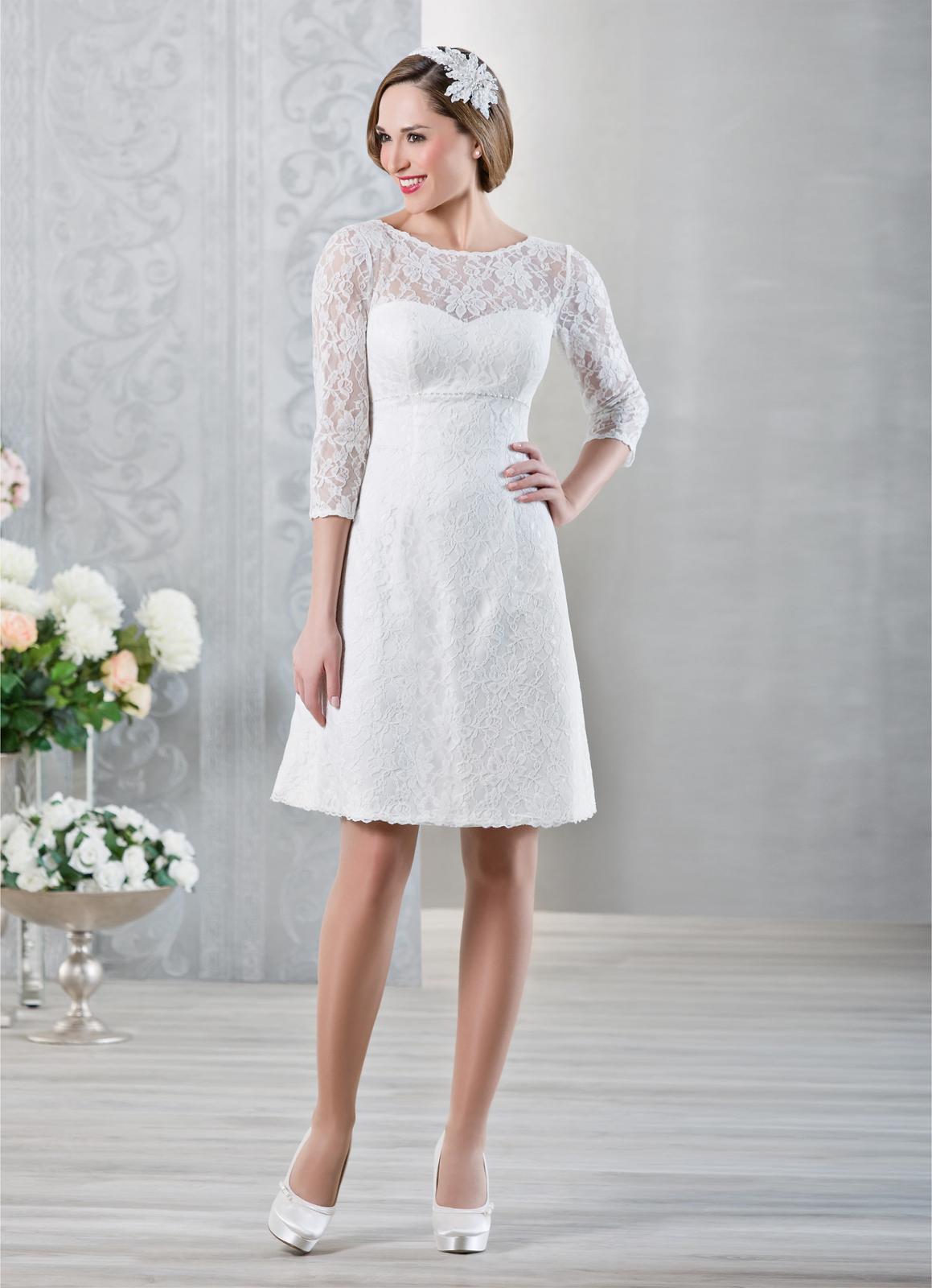 Krátke svadobné šaty s čipkou ea0588f19d8