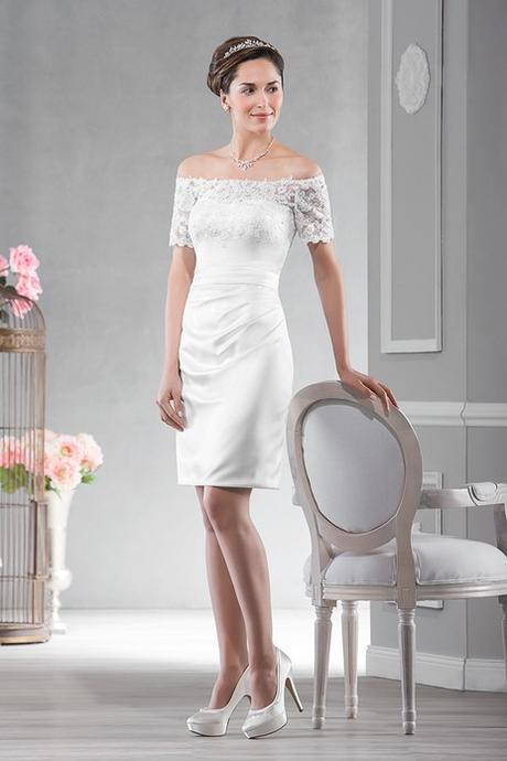 Krátke svadobné šaty s čipkou 3994e921625