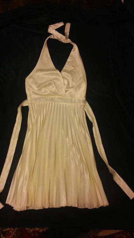 Krémové spoločenské šaty, M