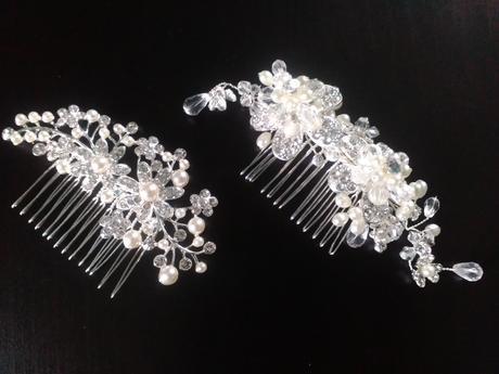 Hřebínky s perličkami,
