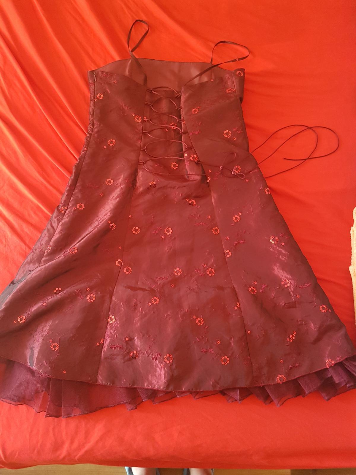 816eac12cb2e Vínovo-červené šaty