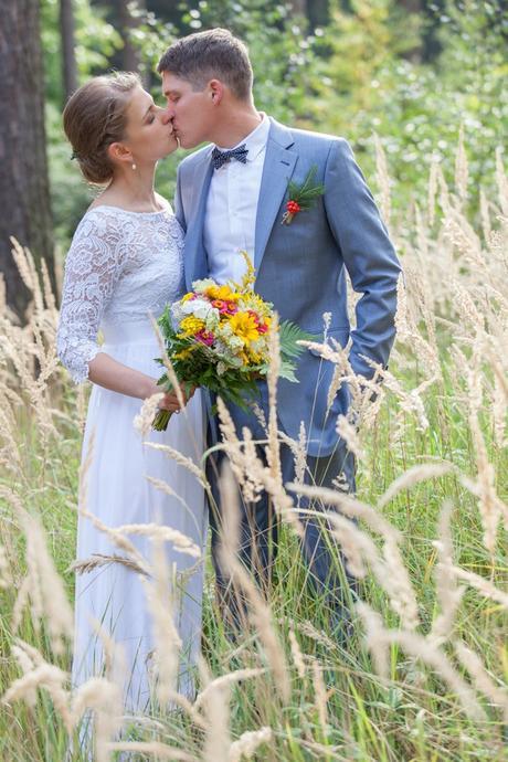 Splývavé svatební šaty pro vílu - 38, 38