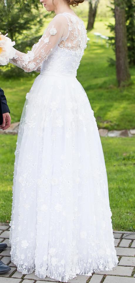 Svadobné šaty s 3D aplikáciami, 36