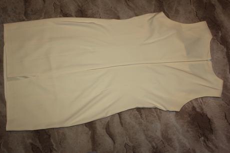 Šaty s dlhým sakom, S