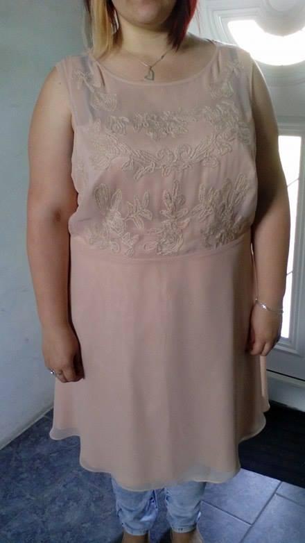 Společenské šaty , 52