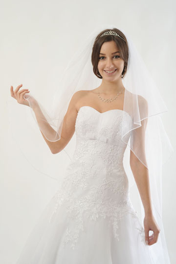 Bílé svatební šaty značky Agnes, 34