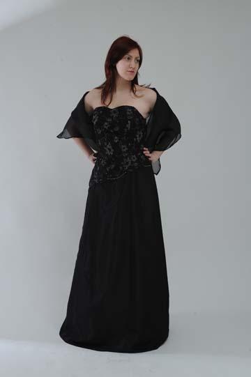 Dlouhé společenské šaty, 40
