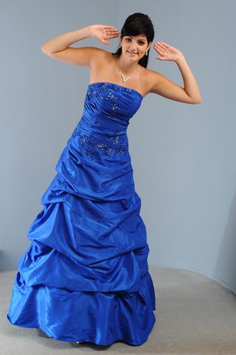 Společenské šaty s nabíranou sukní, 38