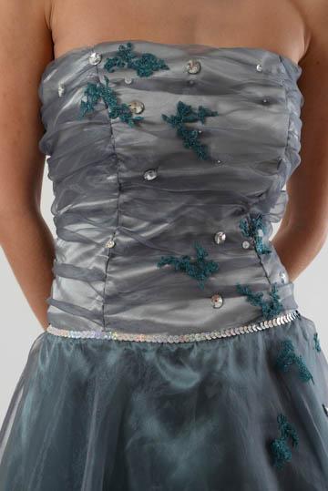 Společenské šaty z organzy a saténu, 40