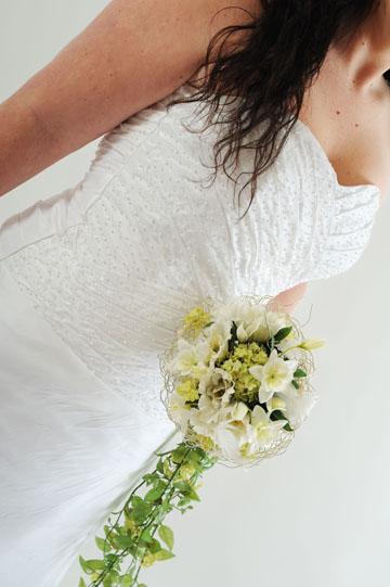 Úzké svatební šaty, 42