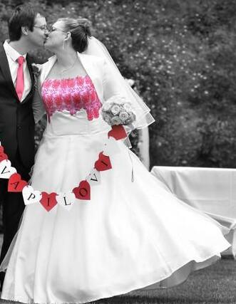 Netradiční svatební šaty, 44