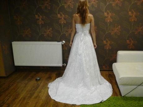 Romantické svadobné šaty    32/34, 32