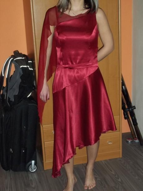 krátké společenské šaty , 36