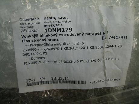 Vonkajšie hlinikové parapety - Nepoužité- zabalené,