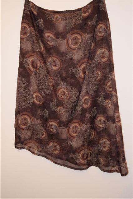 Polyestérová sukňa, 44