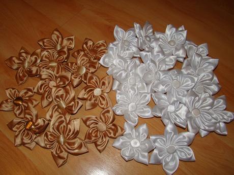 Zlate satenove kvety, 8 ks,
