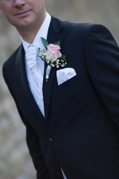 Vesta s francúzskou kravatou,vreckovkou,manž.gomb., 50