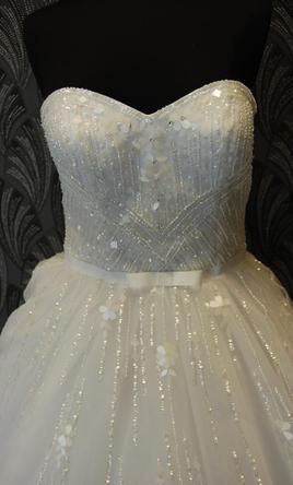 Nádherné svadobné šaty PRONOVIAS , 34