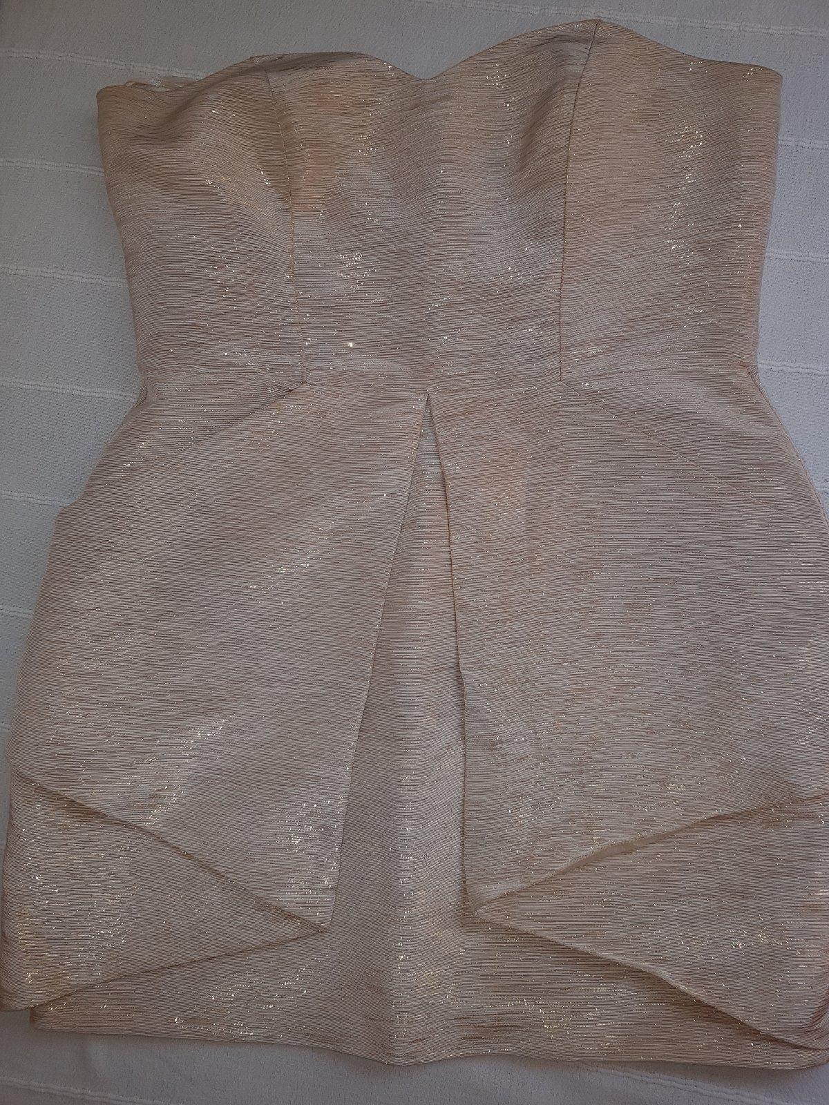 3d61e24a0e54 Zlaté šaty