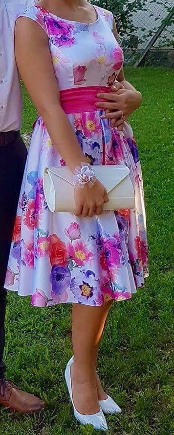 Elegantné spoločenské šaty, 38