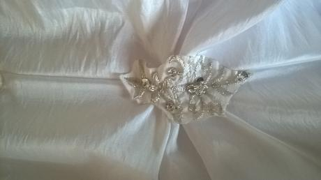 svatební šaty i jako těhotenské, závoj s perličkam, 42