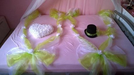 Dekorace na auto nevěsty i ženicha,