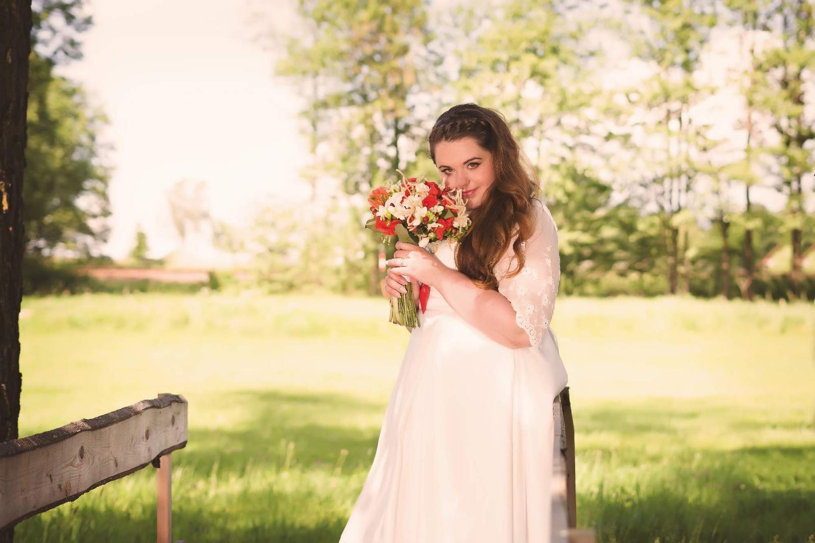 8a5329a4c6 Svatební šaty - 50 52 miabella