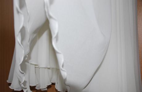 Krátké bílé smetanové koktejlové šifonové šaty, 38
