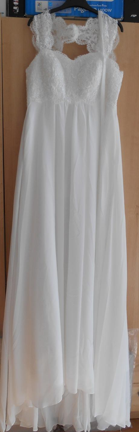 nepoužité svadobné šaty na predaj, 38