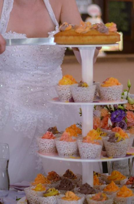 stojan na dort/cupcakes,