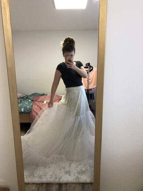 Spodnice pod šaty (místo kruhu), 38