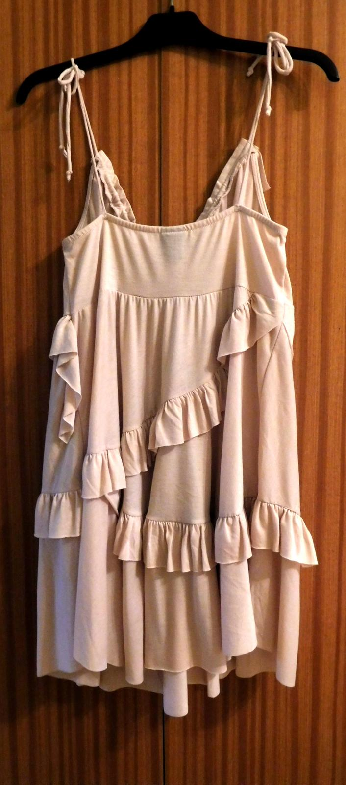 60f5b8f0713 Společenské volánkové šaty 38- h m