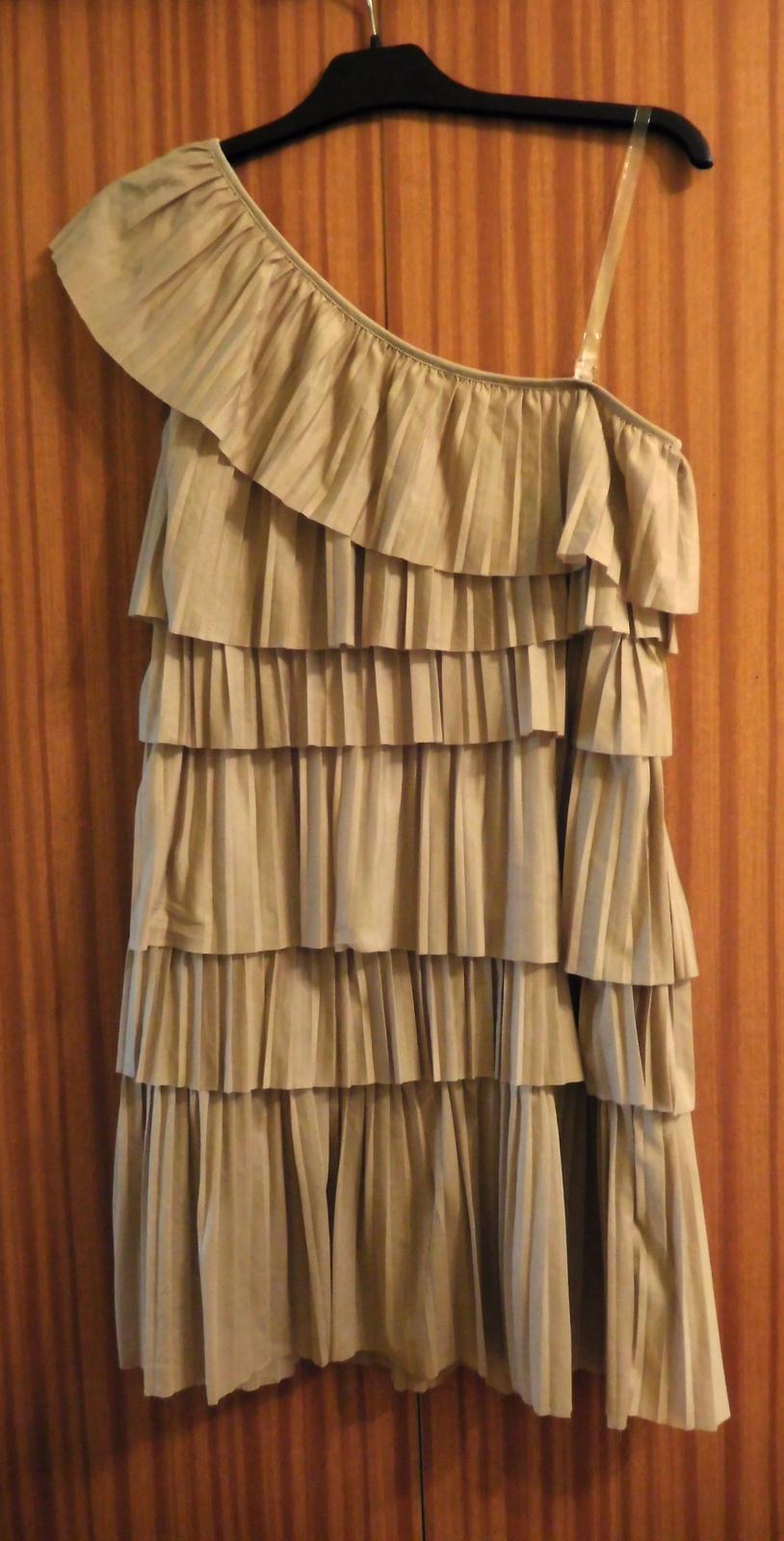 02fe938e77a Volánkové plisé šaty 38-h m