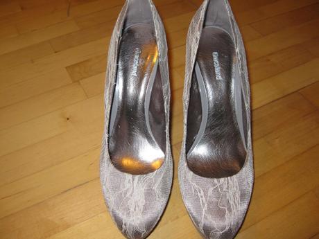 Čipkovane striebornošedé topánočky, 41