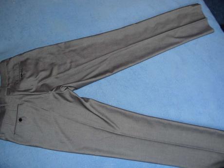 Oblekové nohavice, 48