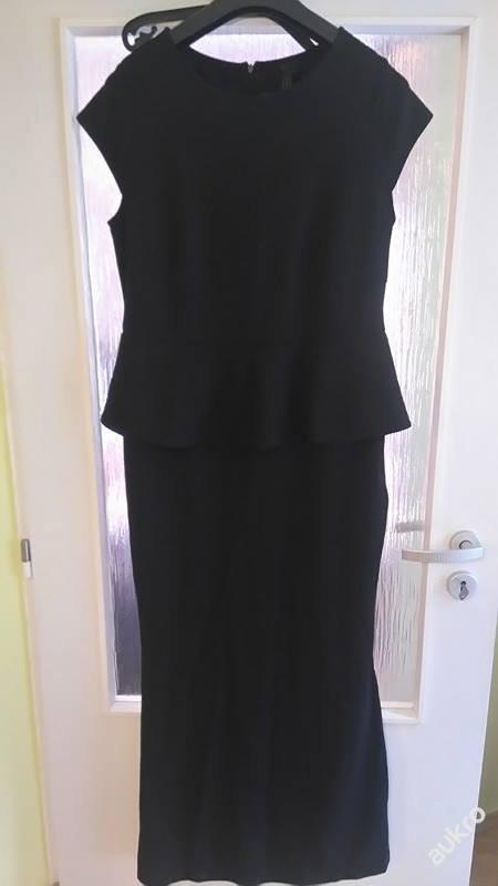 Černé šaty, 44